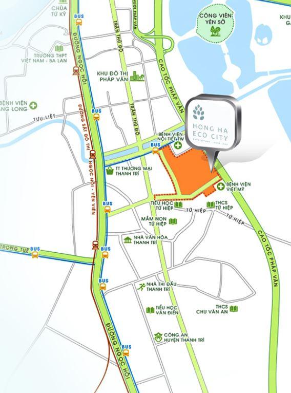 Khu đô thị Hồng Hà Eco City cách trung tâm thủ đô Hà Nội 8km về phía Nam, có vị trí đắc địa về phong thủy và môi trường sống.     Khu đô thị Hồng Hà Eco City cách Công viên Yên Sở, khoảng 300m về phía Đông Bắc nơi có diện tích trên 3.000.000m2 hồ nước và cây xanh; Cách Đầm Trì khoảng 500m về phía Đông, có diện tích gần 1.000.000m2 mặt nước.     Liền kề dòng Sông huyết mạch của Hà Nội đem lại sự lưu thông dòng chảy và tạo nên đô thị Hồng Hà Eco City nằm ở vị trí đắc địa luôn luôn cân bằng dòng nước và không bao giờ bị ngập lụt.     Được hưởng trực tiếp những làn gió thiên nhiên từ Sông Hồng thổi vào, mang đến nguồn không khí trong lành tự nhiên đến từng cm2 của khu đô thị.     Hong-ha-eco-city-MB tong the DA  Mặt bằng tổng thể dự án     Có hệ thống giao thông thuận lợi và thông thoáng:     – Liền kề đường cao tốc Pháp Vân-Cầu Giẽ thuận lợi lưu thông đi các tỉnh thành khác;    – Cách Quốc lộ 1A khoảng 500m, thuận lợi cho lưu thông đi đến các Quận và Huyện khác trong thành phố Hà Nội;    – Cách đường cao tốc trên cao Vành đai 3 khoảng 1,5Km thuận tiện cho việc lưu thông đi Sân bay Nội Bài, đi các tỉnh Bắc Ninh, Hải Phòng, Lạng Sơn,….    – Được hưởng trực tiếp ánh mặt trời vào mỗi buổi sáng tạo sức sống cho một hàng ngày mới;    – Thiết kế hợp lý nhất tạo sự lưu thông không khí tự nhiên hài hòa đến từng căn hộ;    – Trong lòng khu đô thị Hồng Hà Eco City có không gian Công viên cây xanh hoa lá chiếm đa phần diện tích khu đô thị, đem lại môi trường sống xanh bao phủ toàn khu đô thị.